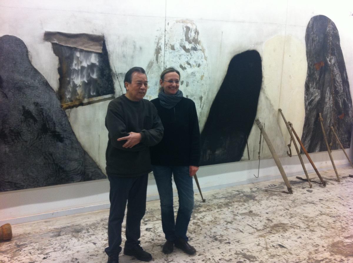 Shang Yang e Maria Yvonne Pugliese nello studio dell'artista, 2016