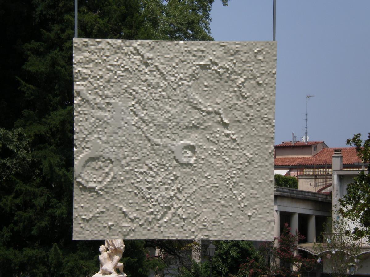 Roberto Mascella, 2009, SEZIONE LUNARE VITRUVIUS-MARALDI, 18°NORD - 33.6° EST DEL SUOLO LUNARE, Pannello in PVC, 120cm x 120cm